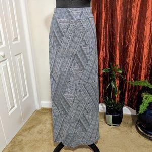 Liz Claiborne black and white maxi skirt